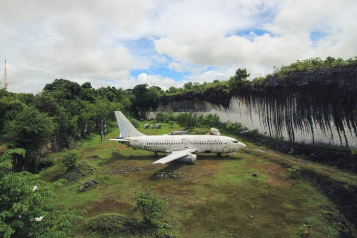 mysterious-boeing-737-bali